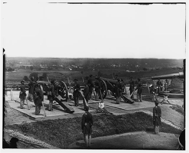 District of Columbia. Gun crews of Company H, 3d Massachusetts Heavy Artillery, at Fort Lincoln Source: LOC Digital ID: cwpb 04286