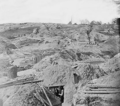"Petersburg, Virginia. Confederate fortifications at ""Gracie's Salient."" LOC Call #: LC-B815- 1059[P&P]"